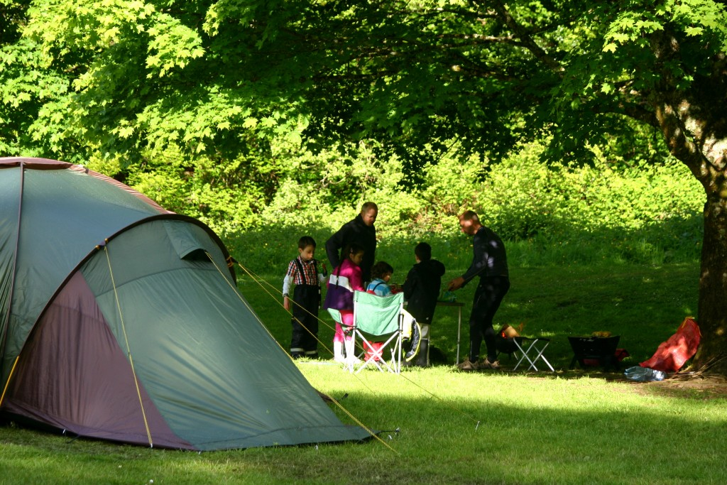 Camping in the Mourne mountains / En camping dans les montagnes de Mourne