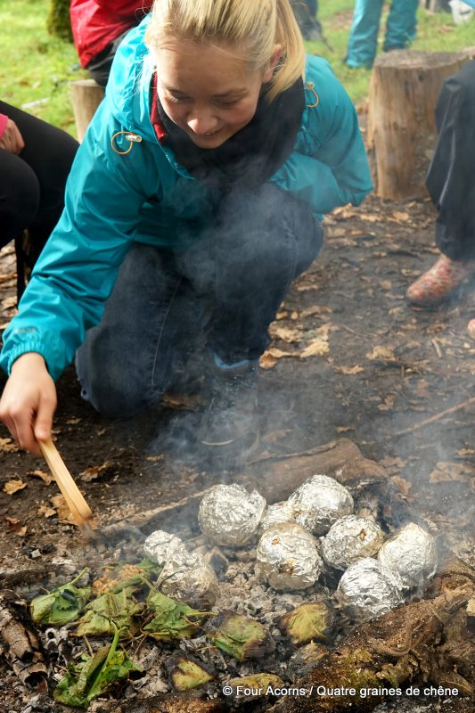 autumn-spiced-apples-outdoor-cooking-fire
