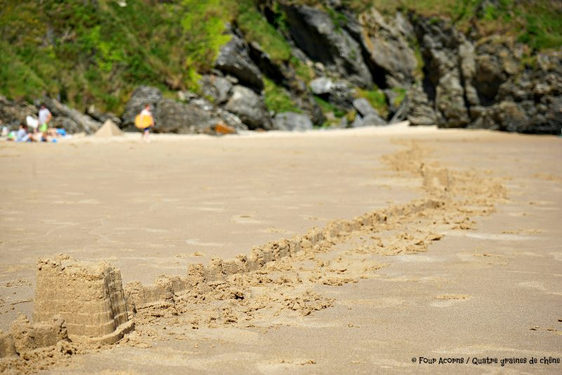 Silverstrand, beach, Wicklow, Ireland, Irish Sea, mer d'Irlande, Irlande, plage, sandcastle, chateau de sable