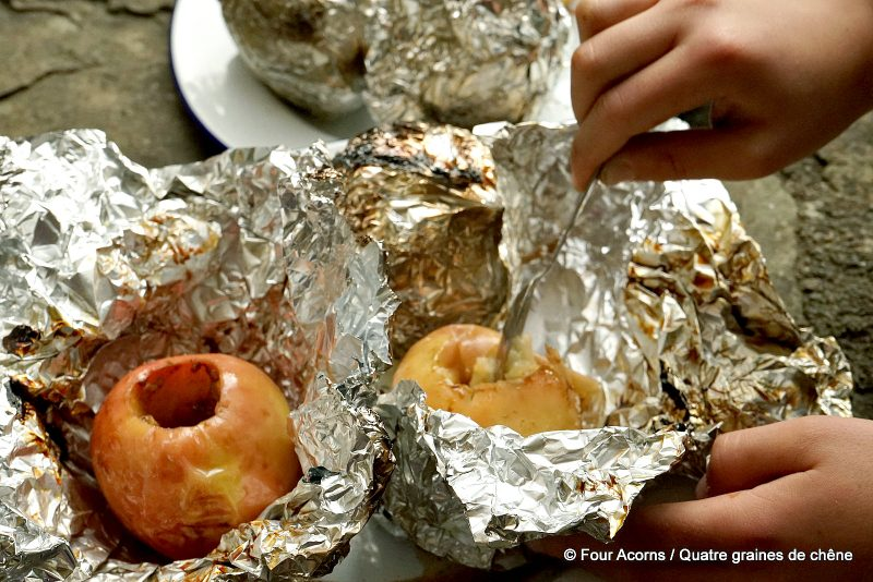 baked-apples-spiced-outdoor-cooking-campfire
