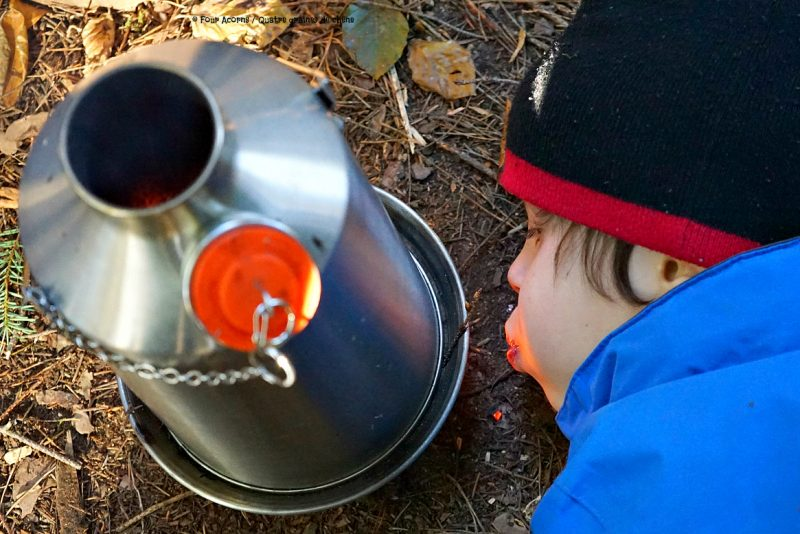 kelly-kettle-child-blowing-fire-camping