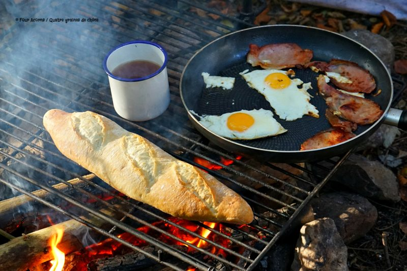 camping-breakfast-campfire-baguette-eggs-bacon-tea