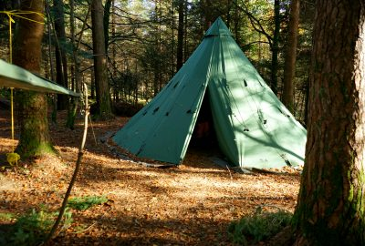 tipi-adventures-tent-forest-sunshine