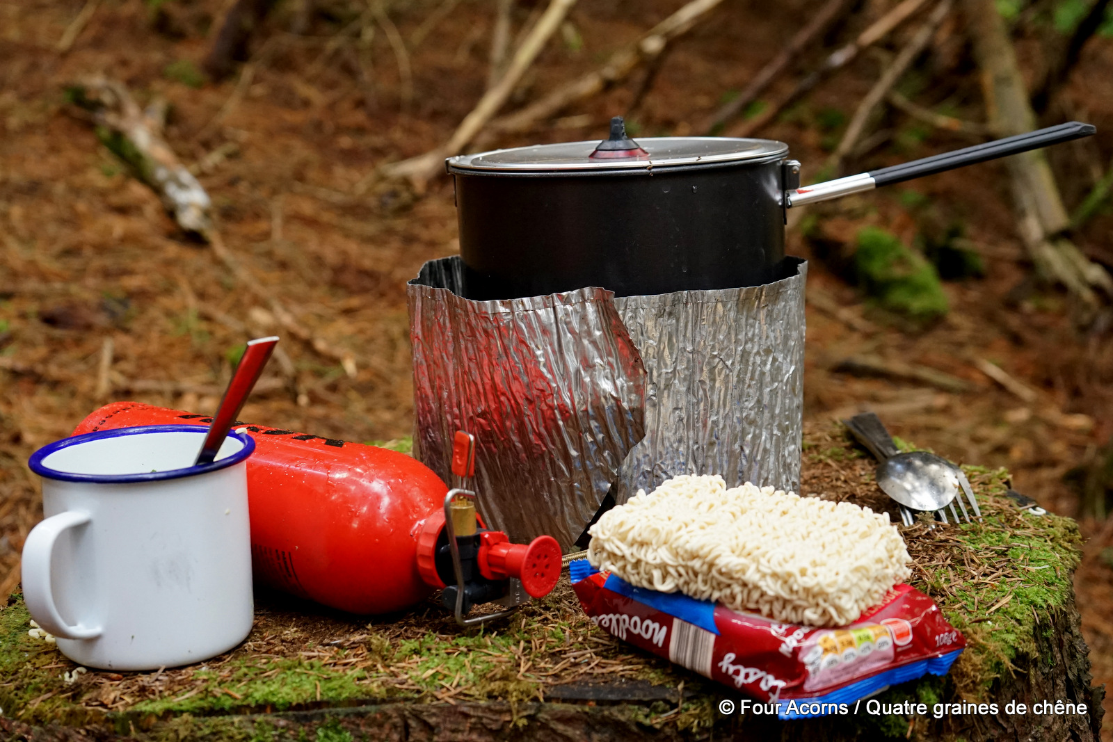 noodles-stove-warm-food-hiking-bushcraft