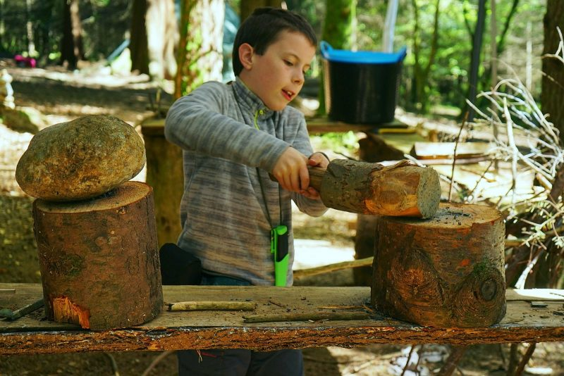 workshop-children-bushcraft-outdoor-play-mallet