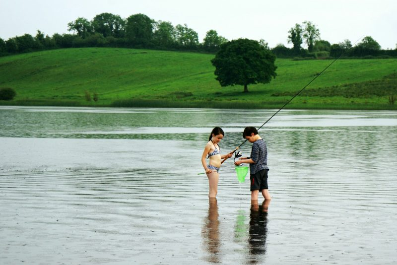 lough-oughter-children-fishing-row-campsite