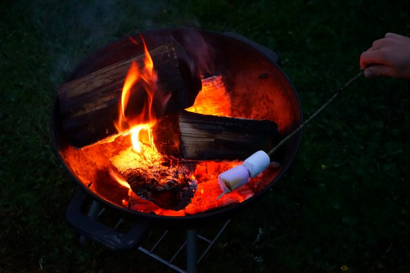 campfire-firepit-marshmallow-roasting-smores
