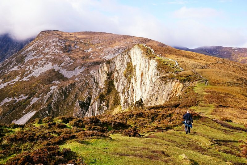 slieve-league-cliffs-donegal-wild-atlantic-way-hiking-ireland