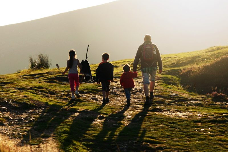 ireland-wicklow-family-hiking