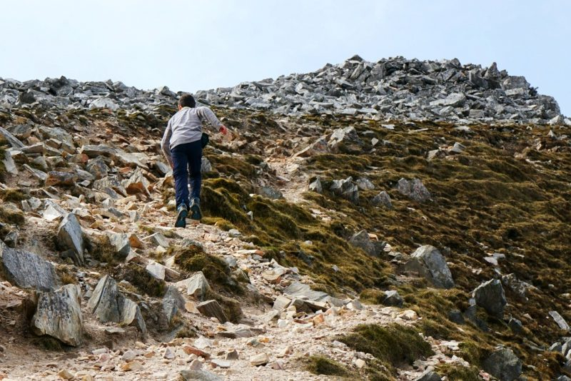 quartzite-scree-boy-trail-running-donegal