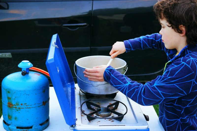camping-cooking-stove-child-pot