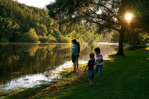 four-children-river-barrow-st-mullins-summer-sunset